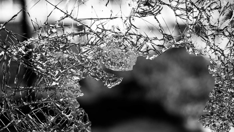 Immagine vetro rotto